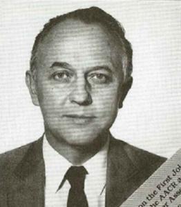 Dr. Gerhard N. Schrauzer var den første videnskabsmand, der systematisk undersøgte selens biologiske funktioner. Han var internationalt kendt for sit pionerarbejde indenfor selens kræftbeskyttende egenskaber. (Billede: Cancer Research, vol 49 nr. 23, dec. 1, 1989)